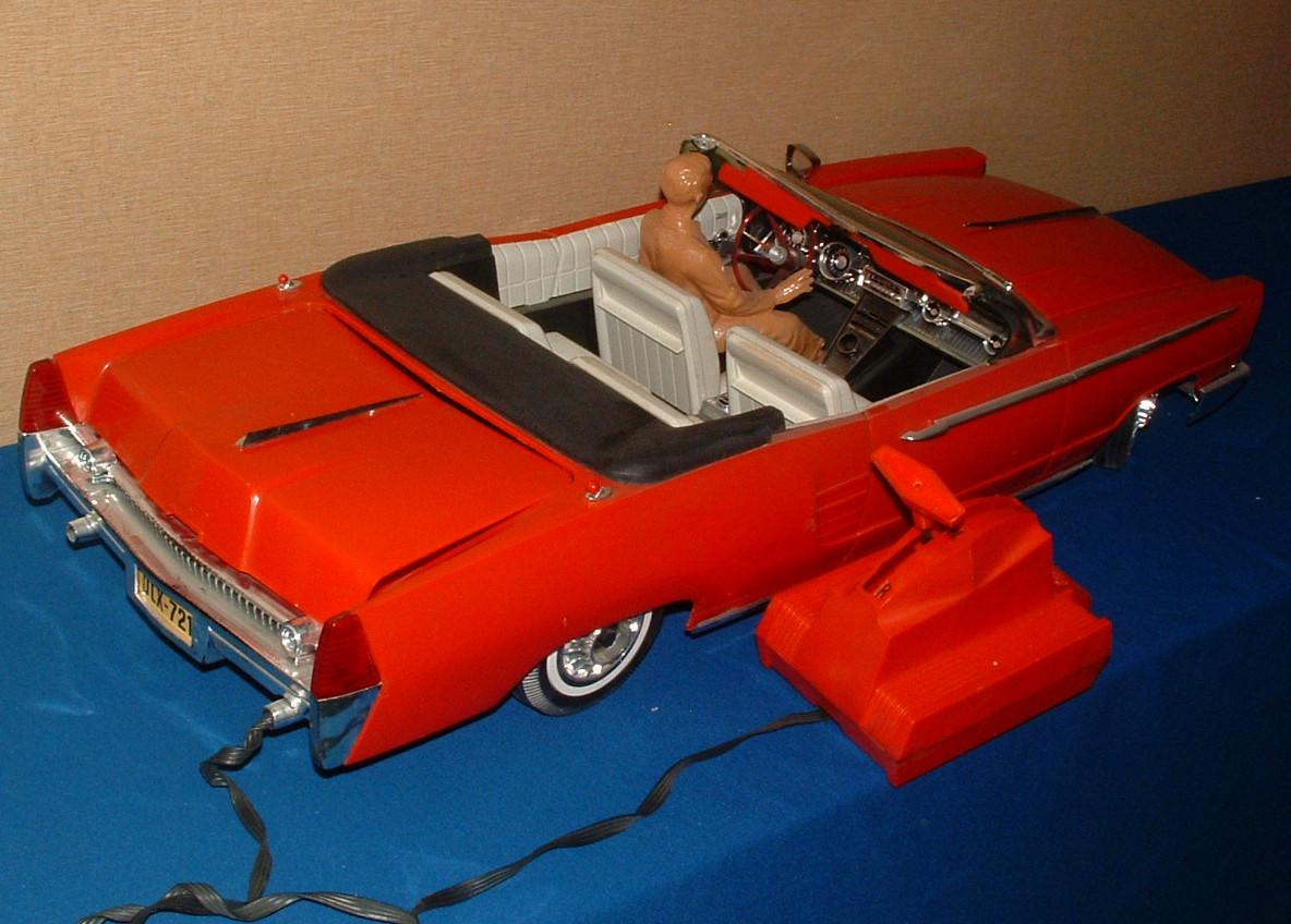 1960s topper crusader 101 huge battery op car in the. Black Bedroom Furniture Sets. Home Design Ideas